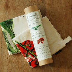 Pair Tea Towels in Tube - Tomatoes & Broccoli